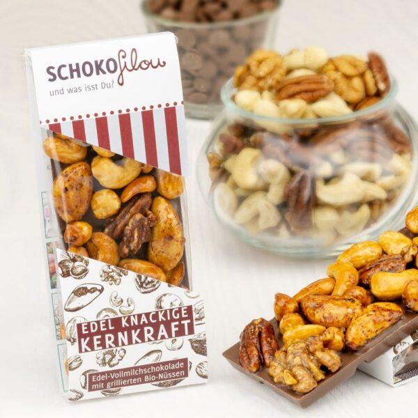 Vollmilch-Schokoladentafel-mit-karamelisierten Nüssen-SchokoFilou