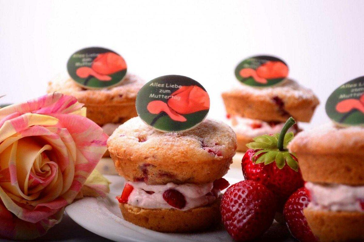 gefüllter Erdbeer-Muffin